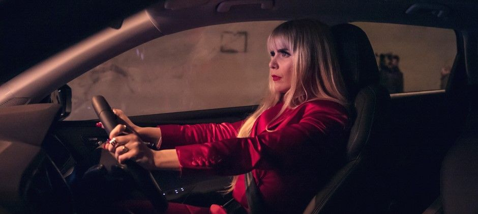 Paloma Faith stars in new advert for ŠKODA