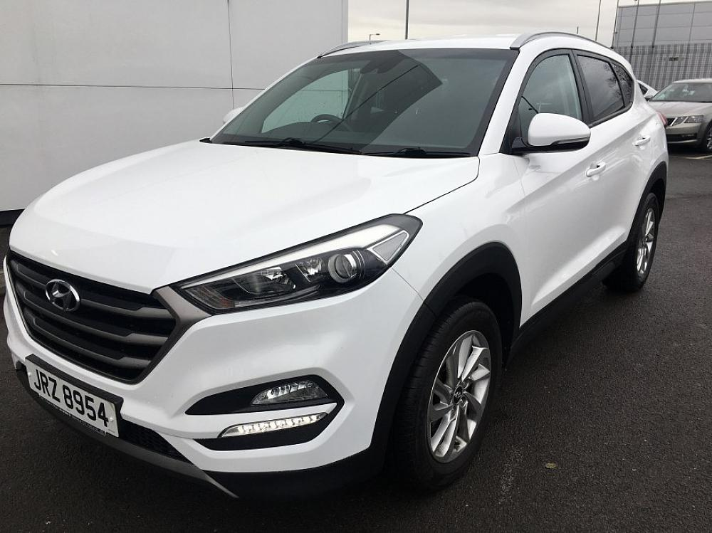 hyundai tucson 1 7 crdi se blue drive for sale at mervyn stewart used car dealer based in. Black Bedroom Furniture Sets. Home Design Ideas