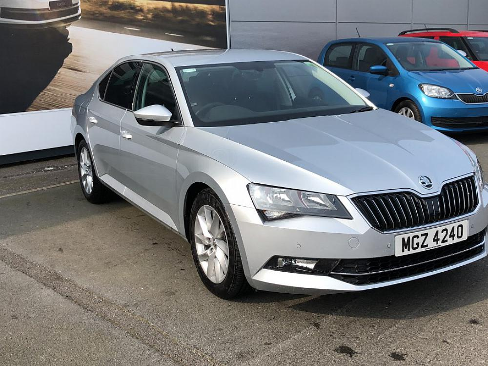 SKODA SUPERB HATCH B8 SE TECH 2.0 TDI 150PS DSG