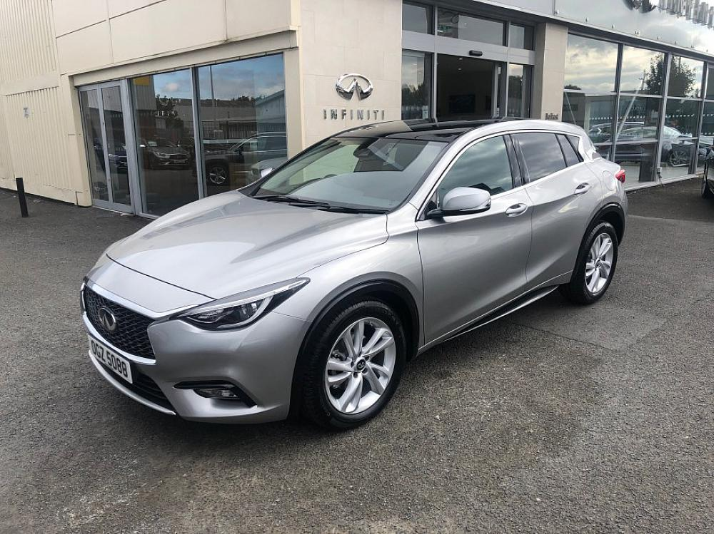 INFINITI Q30 LUXE 1.6 MT **GLASS PACK**
