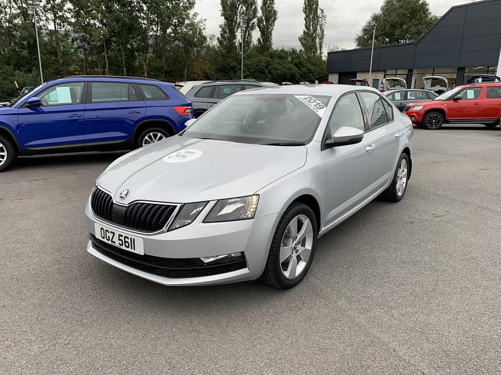 SKODA OCTAVIA HATCH 1.6 SE DRIVE TDI 115PS