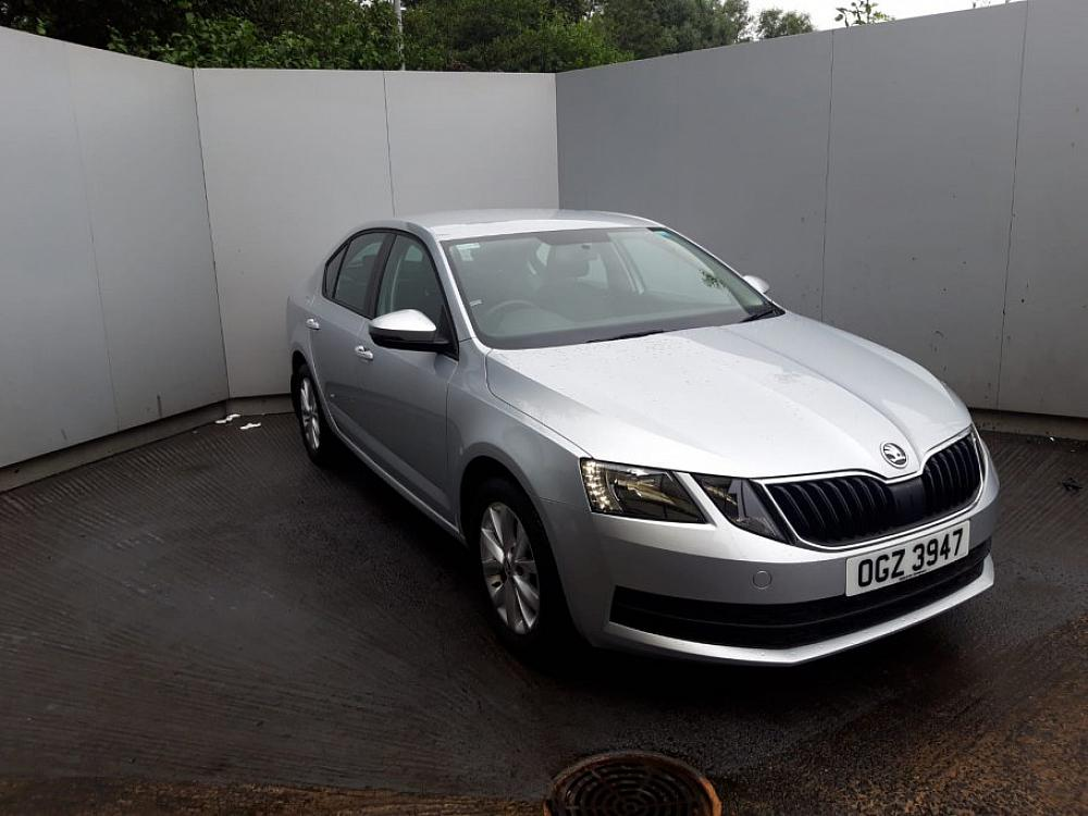 SKODA OCTAVIA HATCH 1.6 S TDI CR 115PS