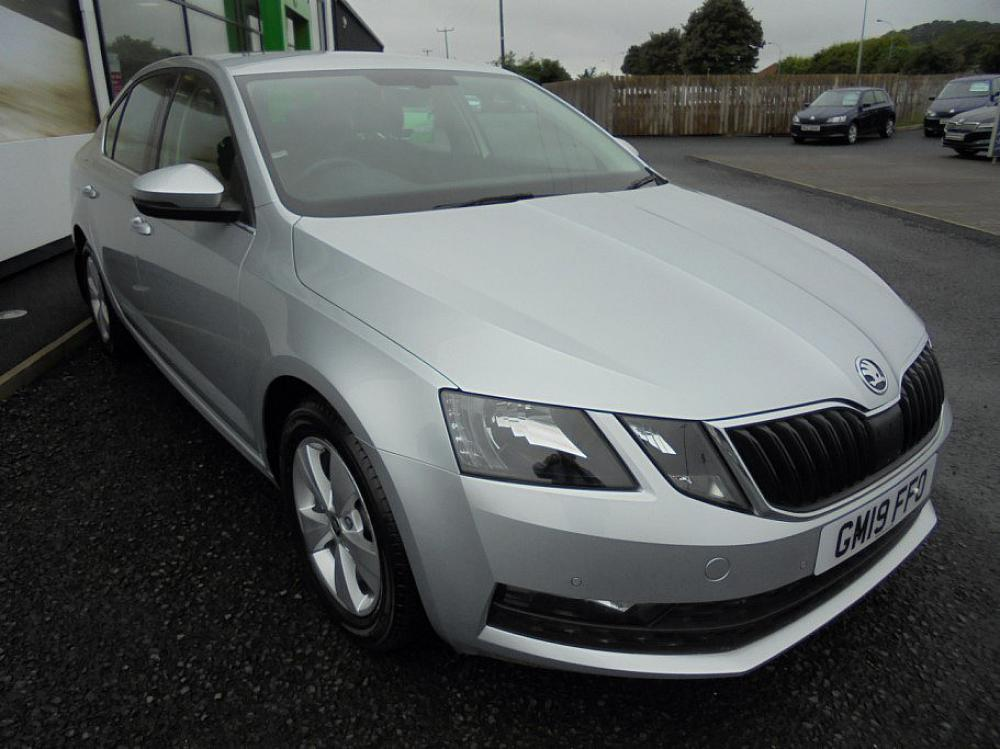SKODA OCTAVIA HATCH SE TECHNOLOGY 1.6 TSI 115 PS