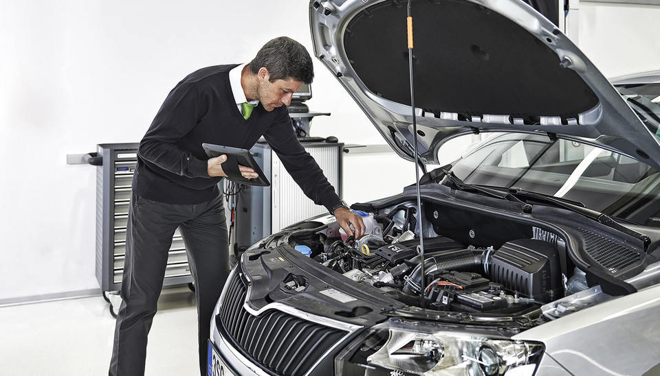Book brake fluid and aircon service together for Just £149 and save 25%